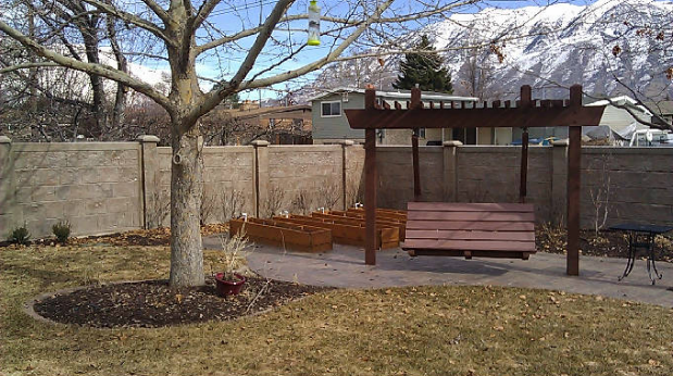 Concrete and Rockwall Fencing || RhinoRock.com